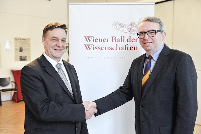 Wolfgang Neubauer und Klubvorsitzender Oliver Lehmann / Foto: Roland Ferrigato