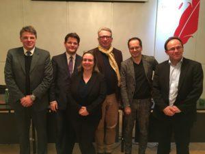 (v.l.) Matthias Karmasin, Oliver Vitouch, Moderatorin Daniela Kraus, Oliver Lehmann, Klement Tockner, Klaus Taschwer. (Foto M. Seumenicht)